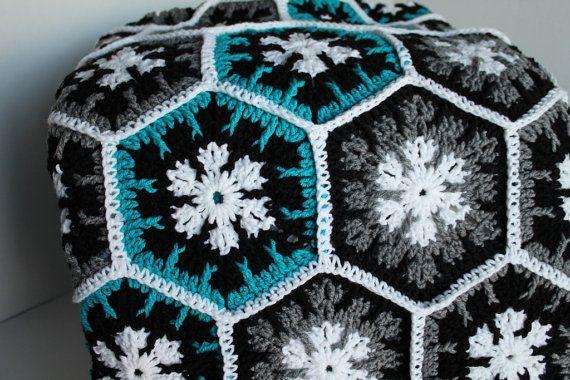 Pin by Vanessa G on Ideas   Crochet snowflake pattern