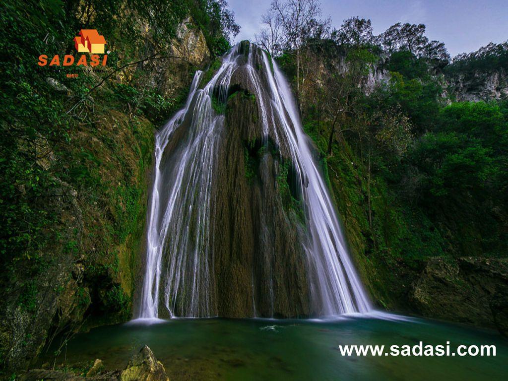 #gruposadasi LAS MEJORES CASAS DE MÉXICO. La cascada Cola De Caballo, está ubicada a 9 km de Santiago, Monterrey y es considerada  la caída de agua más impresionante de Nuevo León. Se encuentra al interior de un parque ecológico que cuenta con miradores para disfrutar de los hermosos paisajes. Le invitamos a conocer nuestros desarrollos de Grupo Sadasi que tenemos en Nuevo León. http://www.sadasi.com