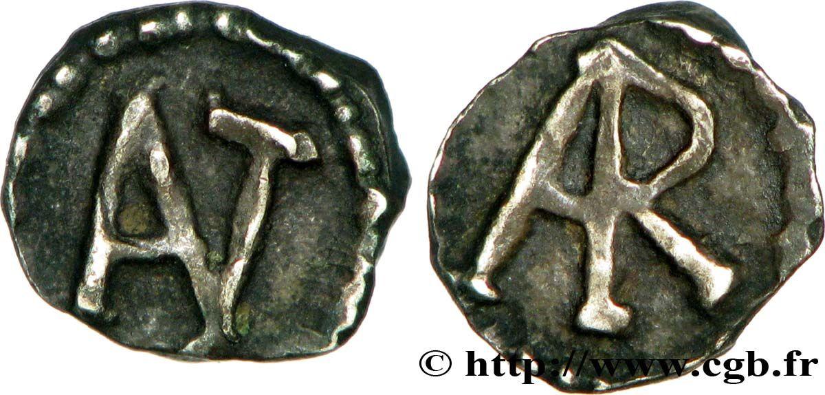 """ARLES (ARELATVM) ou MARSEILLE (MASSILIA) Denier, patrice Antenor, c 700-726, argent.- CHILDEBERT IV- 2) SOURCES, Chap 7 de la CONTINUATION de la Chronique de Frédégaire (v 760): """"En ces jours mourut le roi CHILDEBERT, qui fut enseveli à CHOISY dans la basilique du saint martyr Etienne, après avoir régné 16 ans. Son fils DAGOBERT reçut le trône de son père (..)""""."""