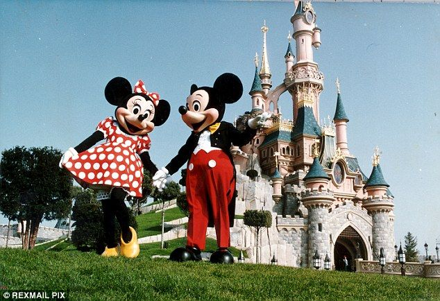 Brits pay 40% more than the French to visit Disneyland Paris