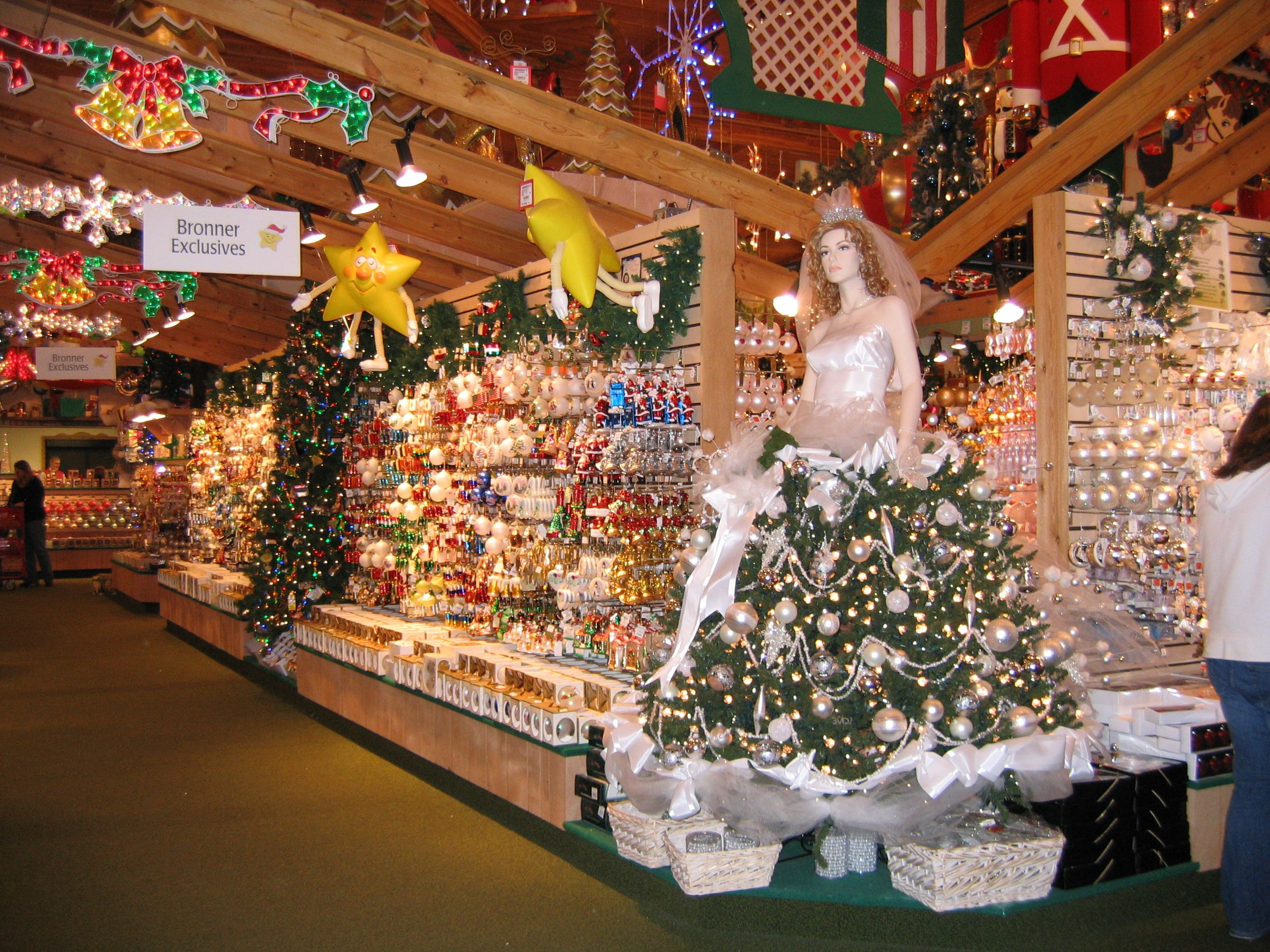 bronners the worlds largest christmas store has exclusive ornaments that you wont - Worlds Largest Christmas Store