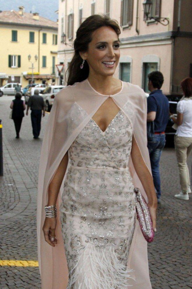 Tamara Falcó con un impresionante vestido nude cuajado de ...