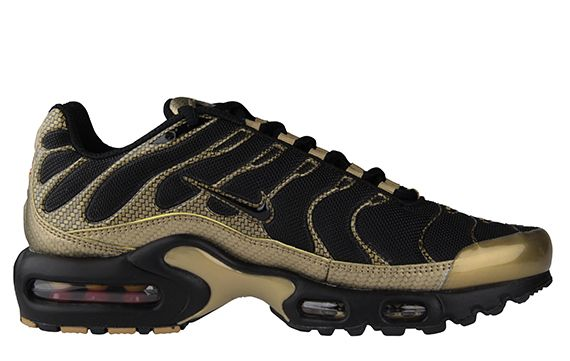 outlet store 24489 00e58 Nike Air Max Plus  Black Gold Woven ...
