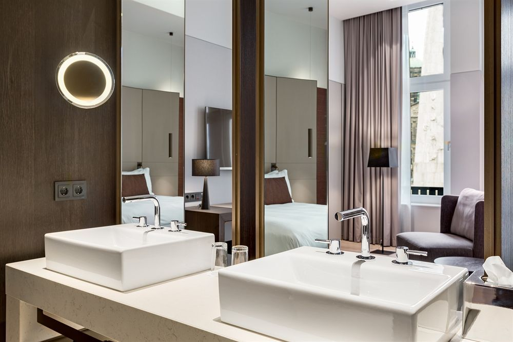 NH Collection Amsterdam Grand Hotel Krasnapolsky Accommodation