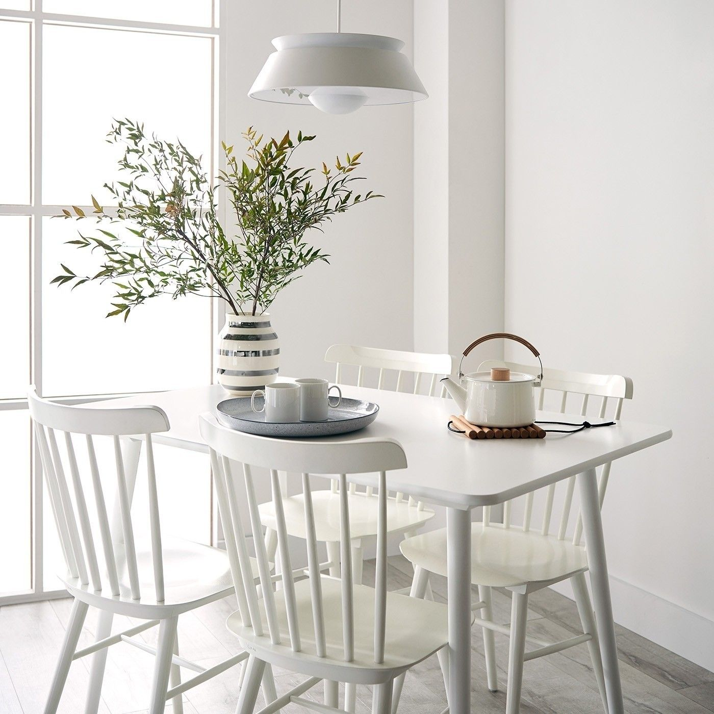 50 Cool And Creative Shabby Chic Dining Rooms: White Dining Set, Shabby Chic