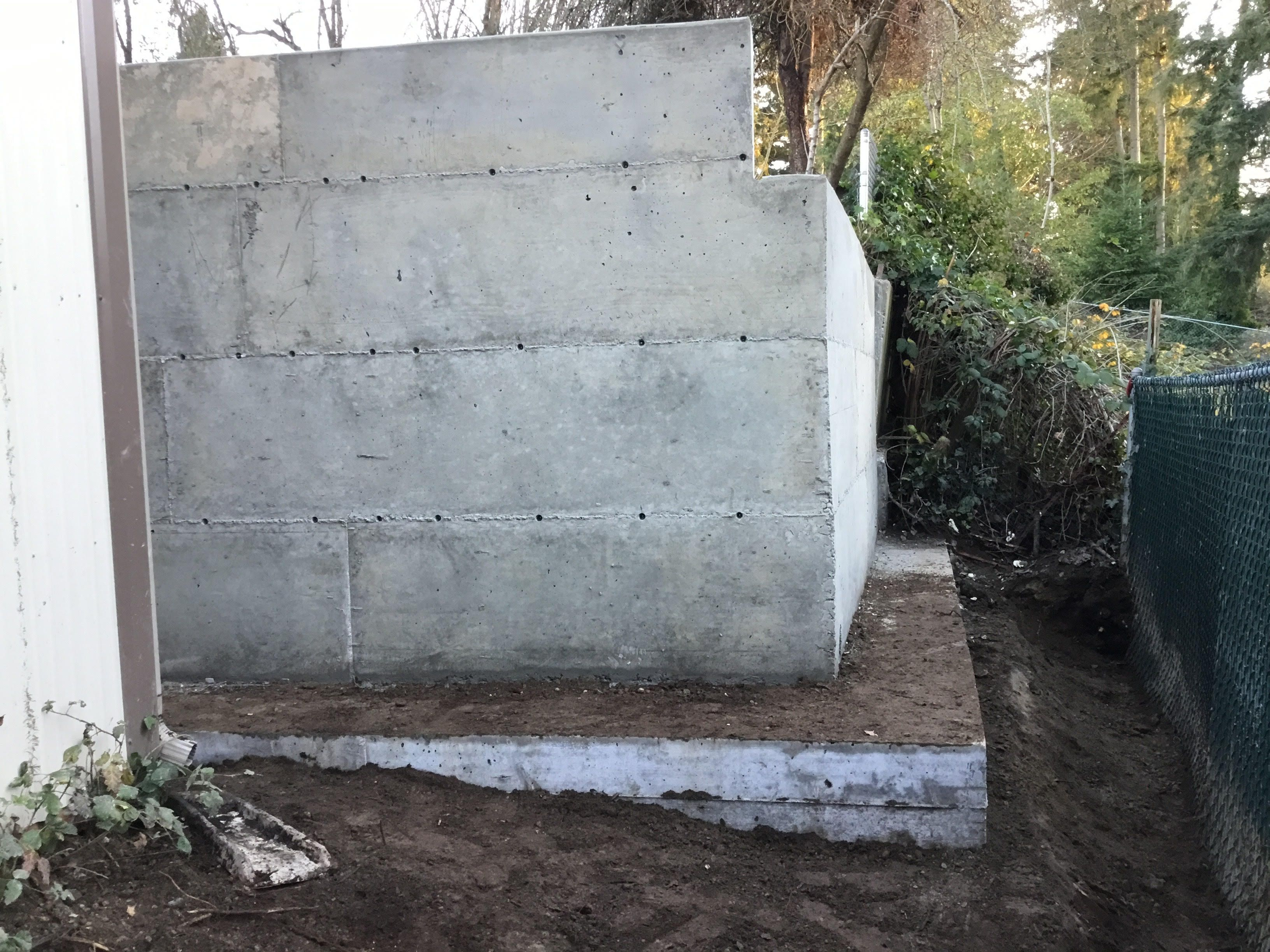 R R Foundation Specialist Job Photos From A Foundation And Retaining Wall Repair Job In Lynnwood Wa Retaining Wall Repair Foundation Repair Retaining Wall