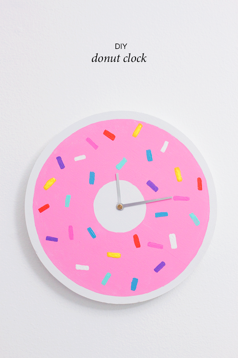 Diy donut clock crafting dont and pastel for Small clocks for crafts