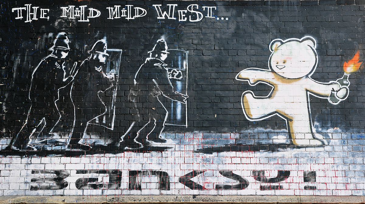 Banksy (...) - Stokes Croft, Bristol (UK)