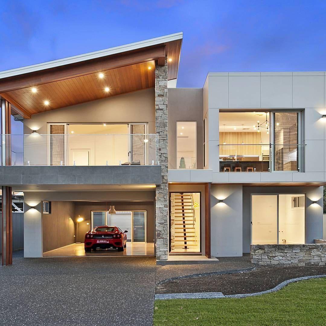 Stunning Contemporary Beachhouse Combining Textured Brick