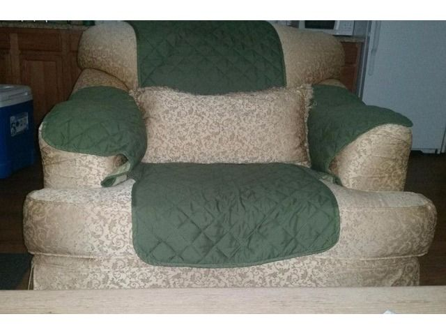 Nice Sofa and Chair Home Furniture Garden Supplies Henderson