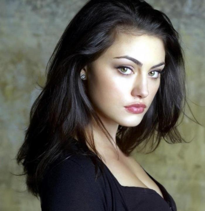 Highlights For Dark Brown Hair And Green Eyes Beautiful Girl Hd Wallpaper Phoebe Tonkin Portrait