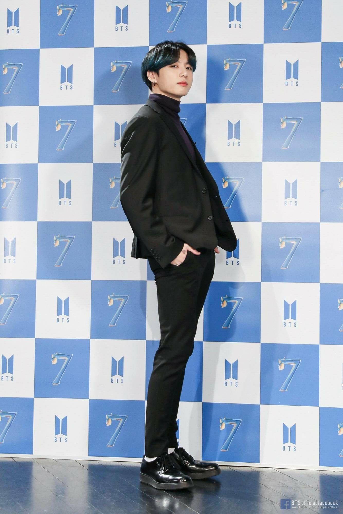 BTS 방탄소년단 Comeback Special '보.라.해. Photo Wall' Behind
