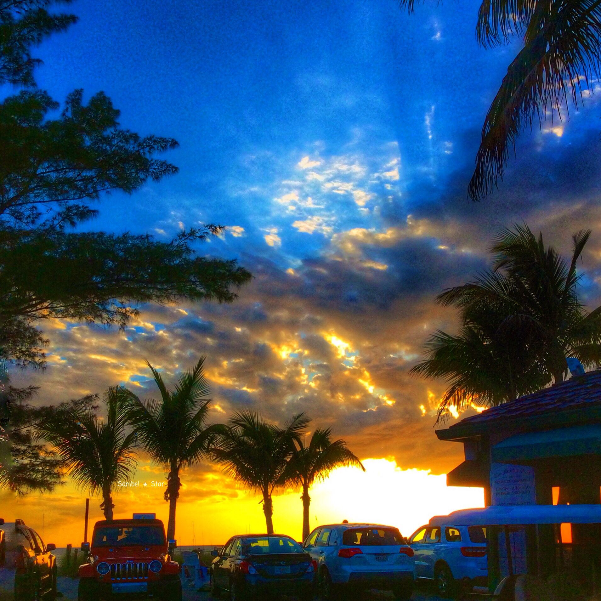 Island Beach Sunset: Sunset At The Mucky Duck #sanibelstar #captiva #sunset