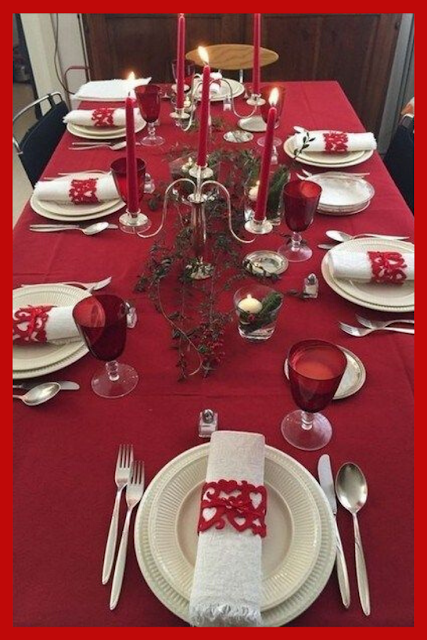 Copy These Awesome Christmas Table Ideas Xmas Table Decorations Christmas Table Indoor Christmas Decorations