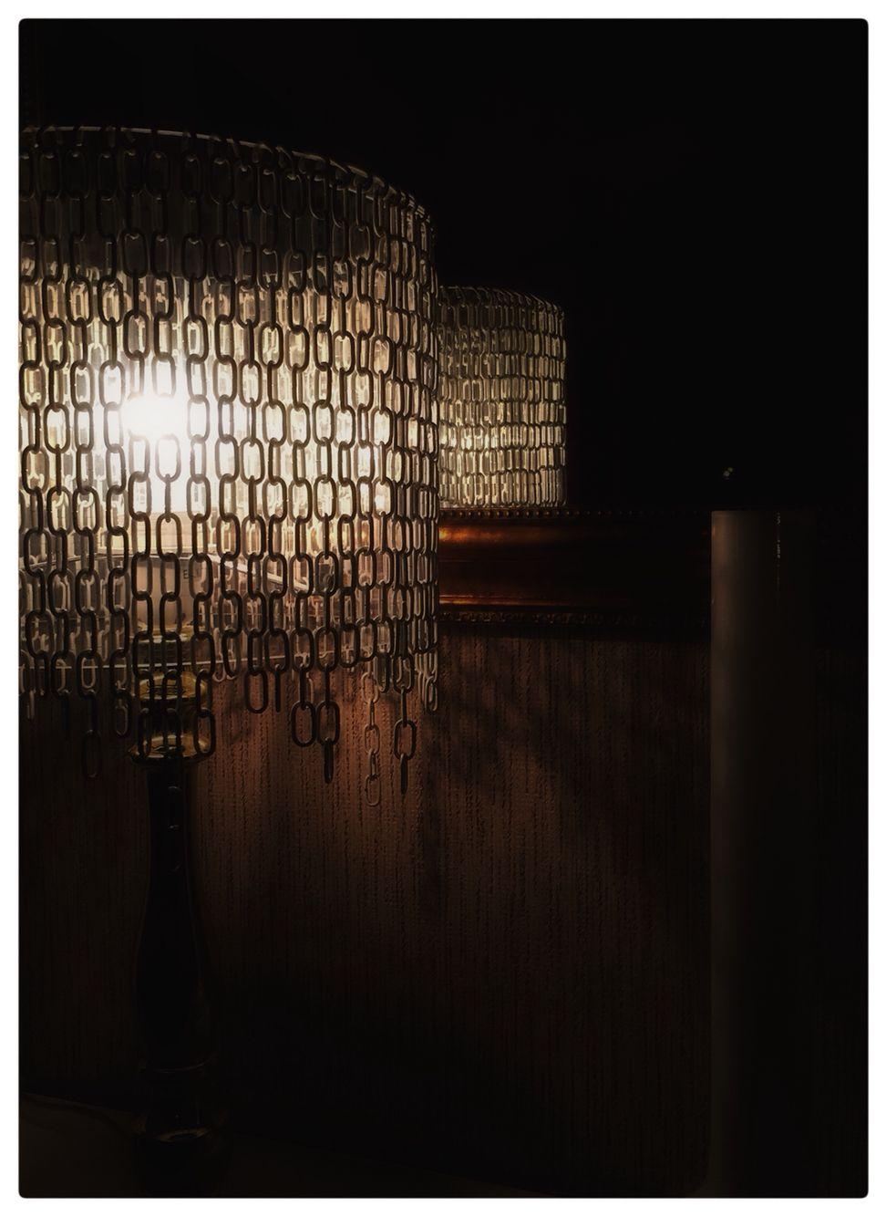 Att göra lampor är knasigt roligt. One-of-a-kind  Diylamp.