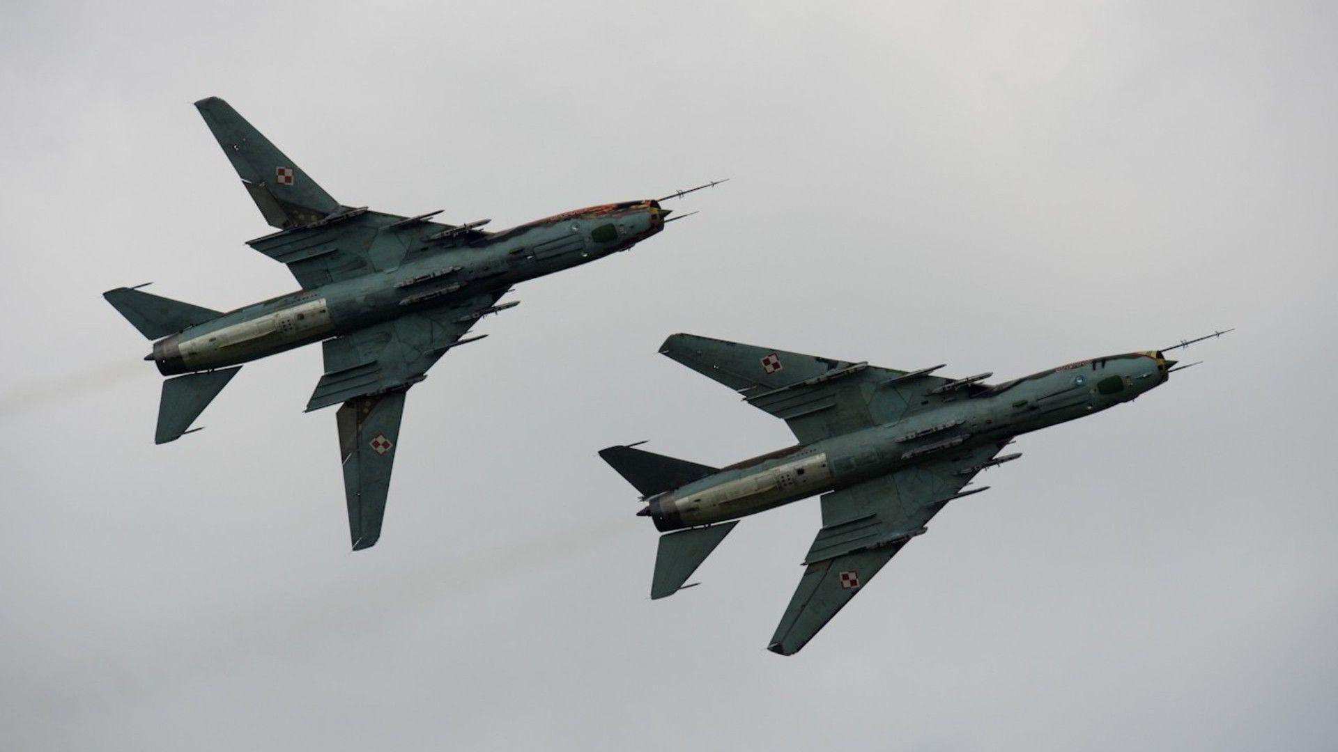 Caça russo soviético Sukhoi Su-17 / 22