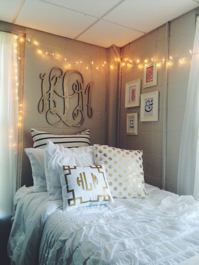 College Dorm Room Idea For White Color Scheme With Hanging Lights Gives It A Cozy
