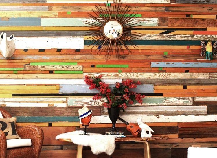 Parement intérieur bois ou pierre et tapisserie murale moderne
