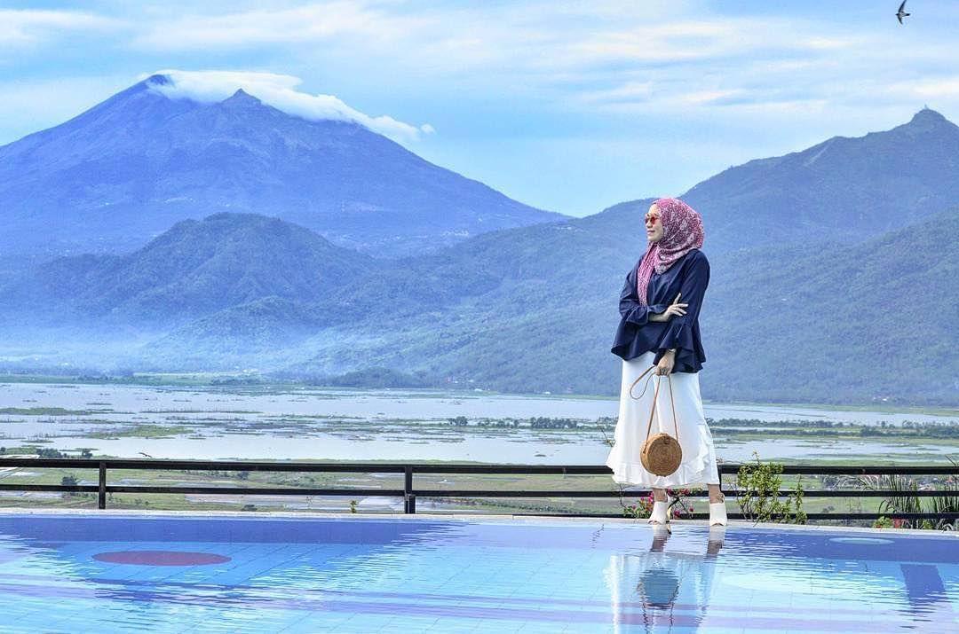 Letaknya Yang Tidak Terlalu Jauh Dari Kota Semarang Membuat Eling Bening Mudah Diakses Pemandangan Alam Yang Ditawarkan Tempat Wis In 2020 Ambarawa Central Java Tiket
