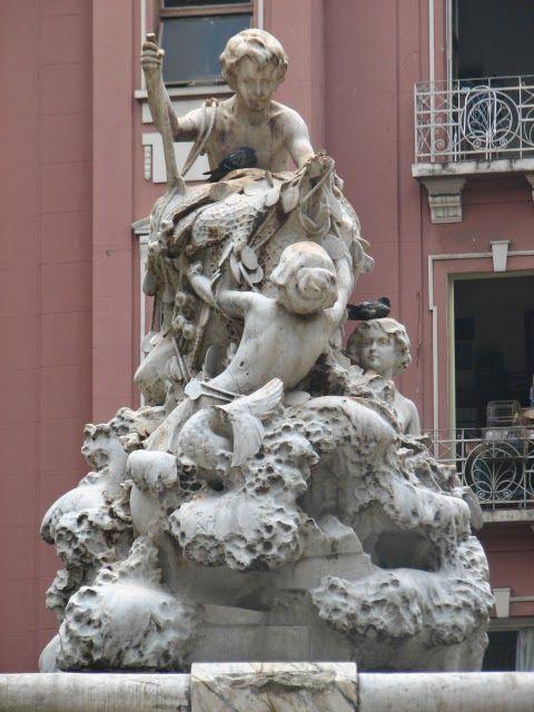 Escultura de Nicolina Vaz de Assis