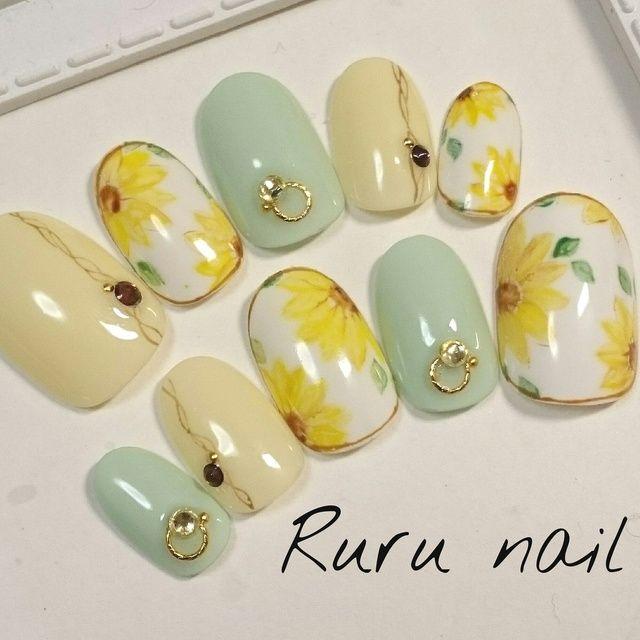 再販多数大人のためのひまわりネイルチップ168受注生産 by Ruru nail ファッション その他