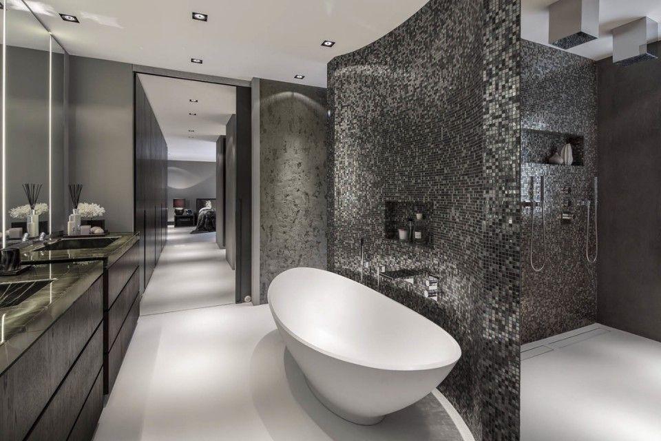 Luxe badkamer design met luxe ligbad - Badkamer | Pinterest - Luxe ...