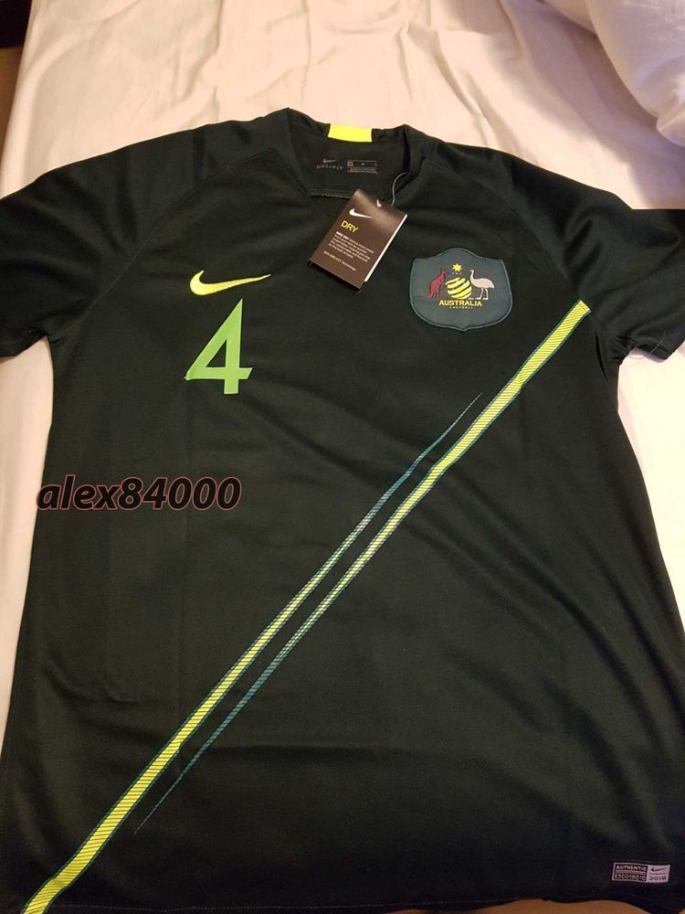 4b8272892a7 New Australia Jersey Soccer WORLD CUP 2018 HOME SHIRT ADULT SIZES Football  BNWT  Nike