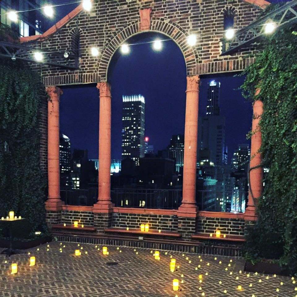 18 Romantic And Unique Wedding Proposal Ideas For Every: Romantic Rooftop Proposal (With Images)