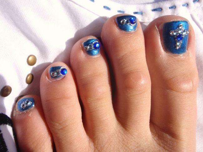 30 Fancy and Cool Toe Nail Designs 2017 - SheIdeas | nail polish ...