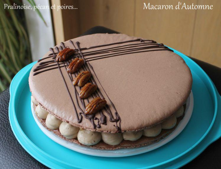 Macaron d'automne ( Crème diplomate à la pralinoise, compotée de poire et noix de pécan caramélisées) – Nana et Chocolat