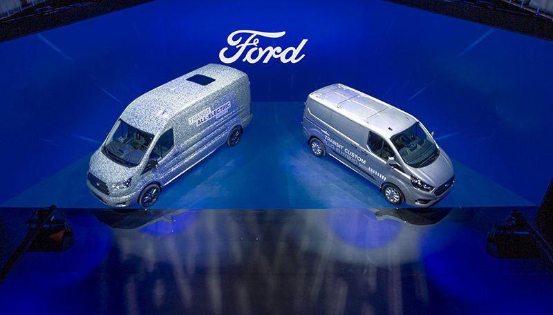 La Ford Transit 100 Electrica Llegara En 2021 Acompanando A Las Transit Y Tourneo Custom Hibridas Enchufables Ford Transit Ford Ford Tourneo Custom