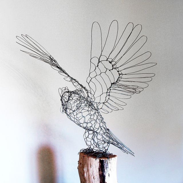 Wire Sculpture Great Horned Owl - left | Owl, Wire art and Bird