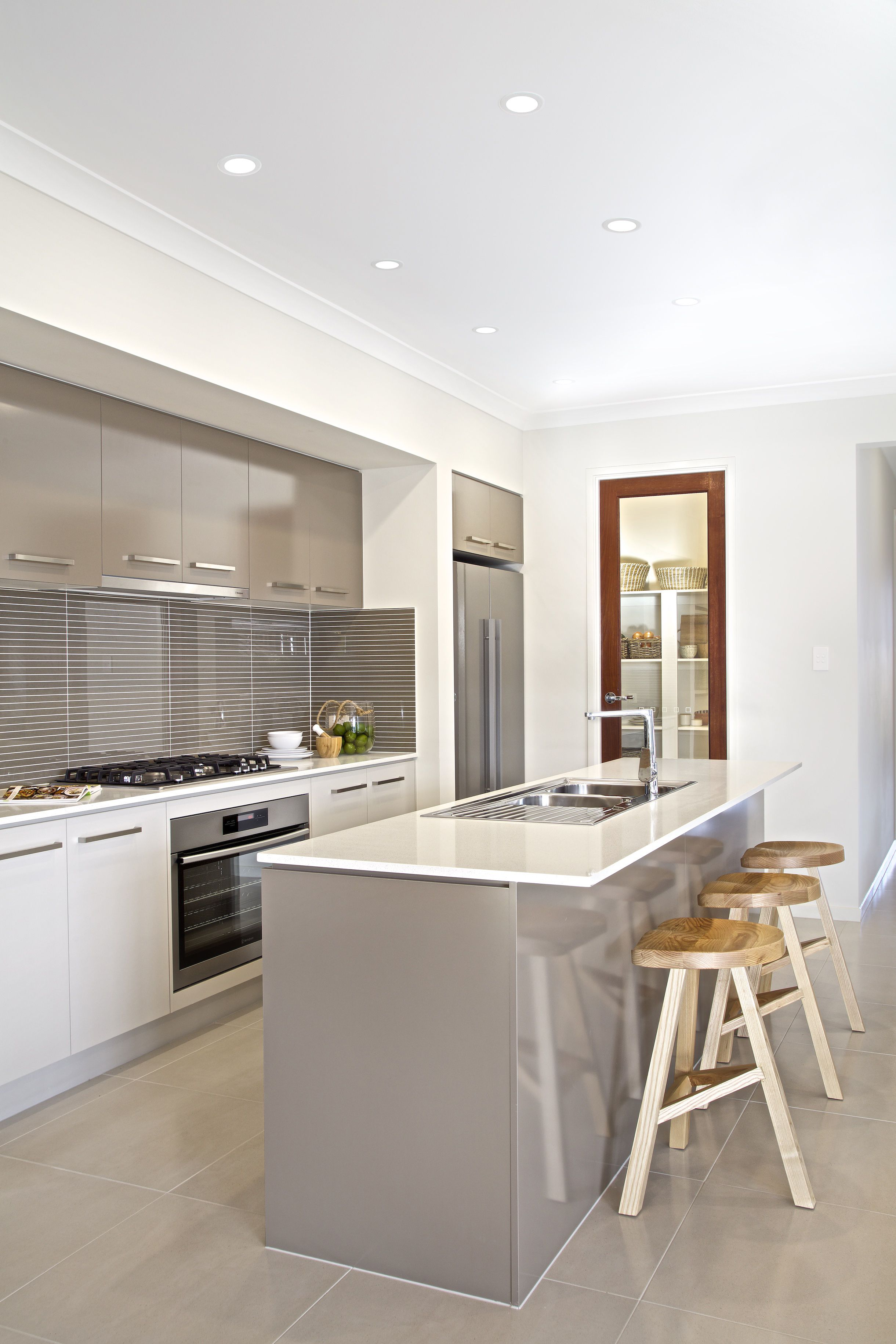 Seaview House Designed By Parsonson Architects: Clarendon Homes. Seaview 27. Kitchen And View Of Access To