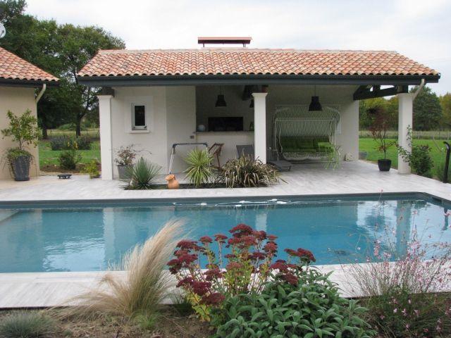 construction d 39 une maison individuelle avec piscine et. Black Bedroom Furniture Sets. Home Design Ideas