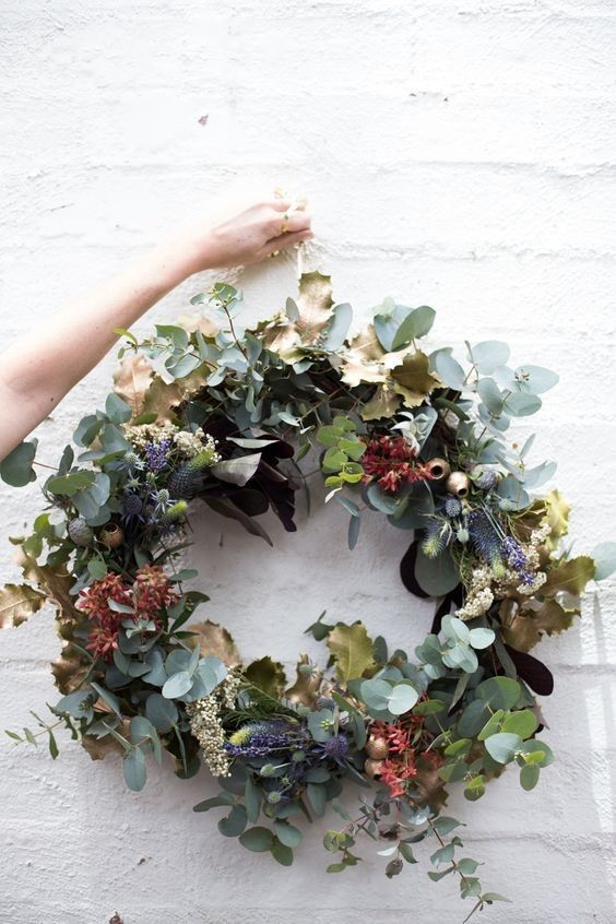 Pops of Festive Color Christmas wreaths, Natural