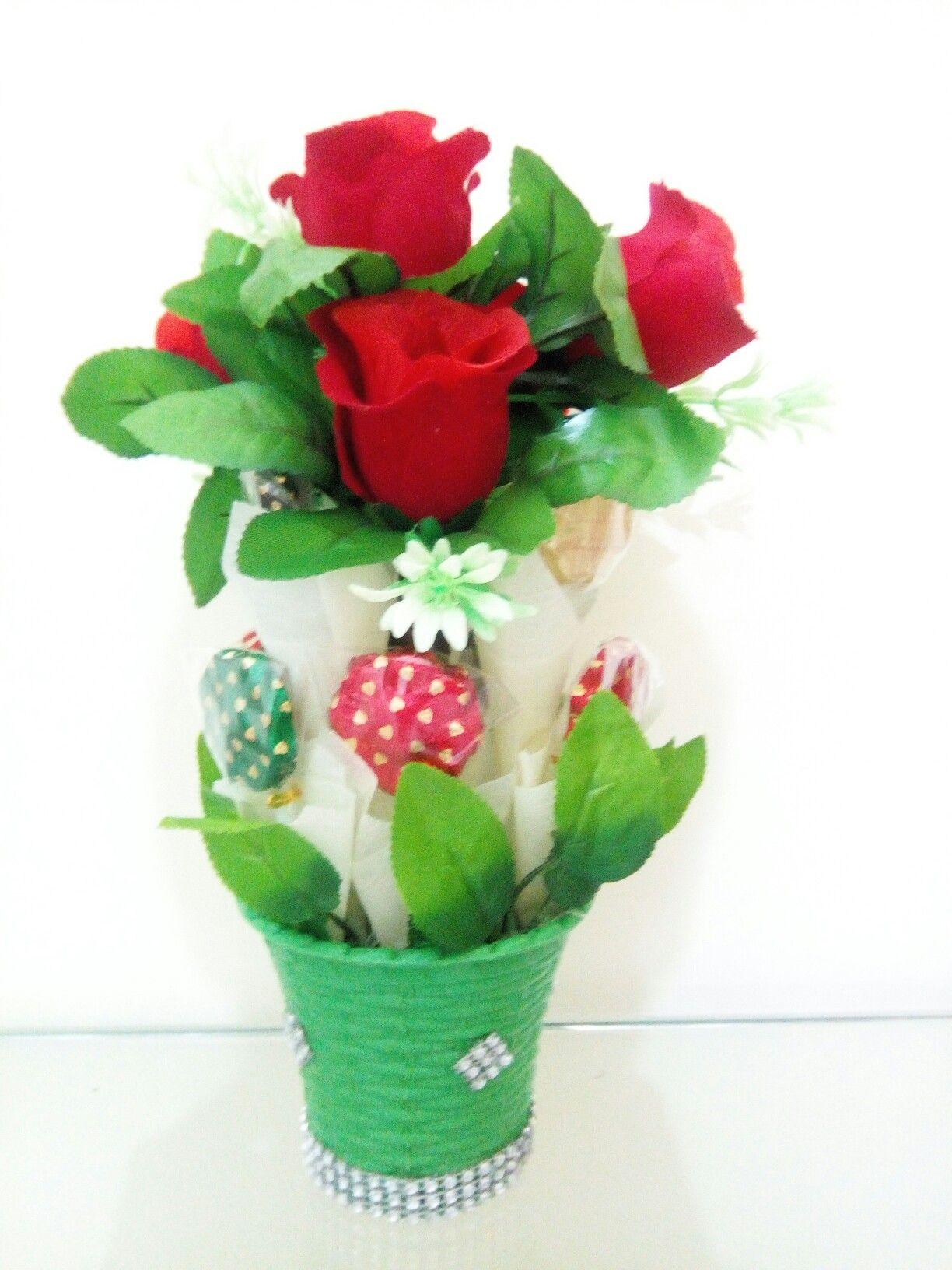 Flower vase with chocolates a unique conceptual chocolate bouquet flower vase with chocolates a unique conceptual chocolate bouquet izmirmasajfo