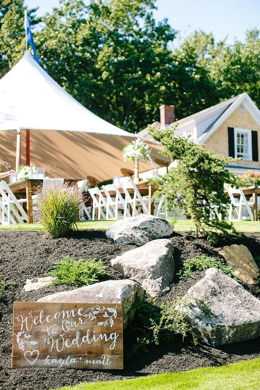 Your Essential Guide To Planning a Backyard Wedding at ...