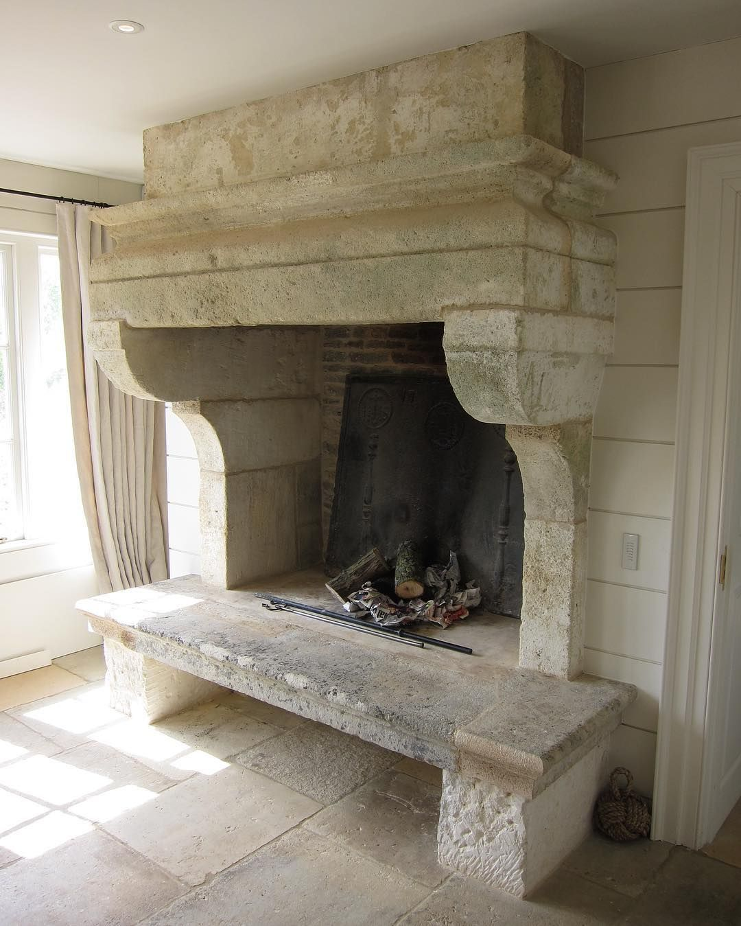 Pin By Lil On New House In 2020 Kitchen Fireplace French Stone
