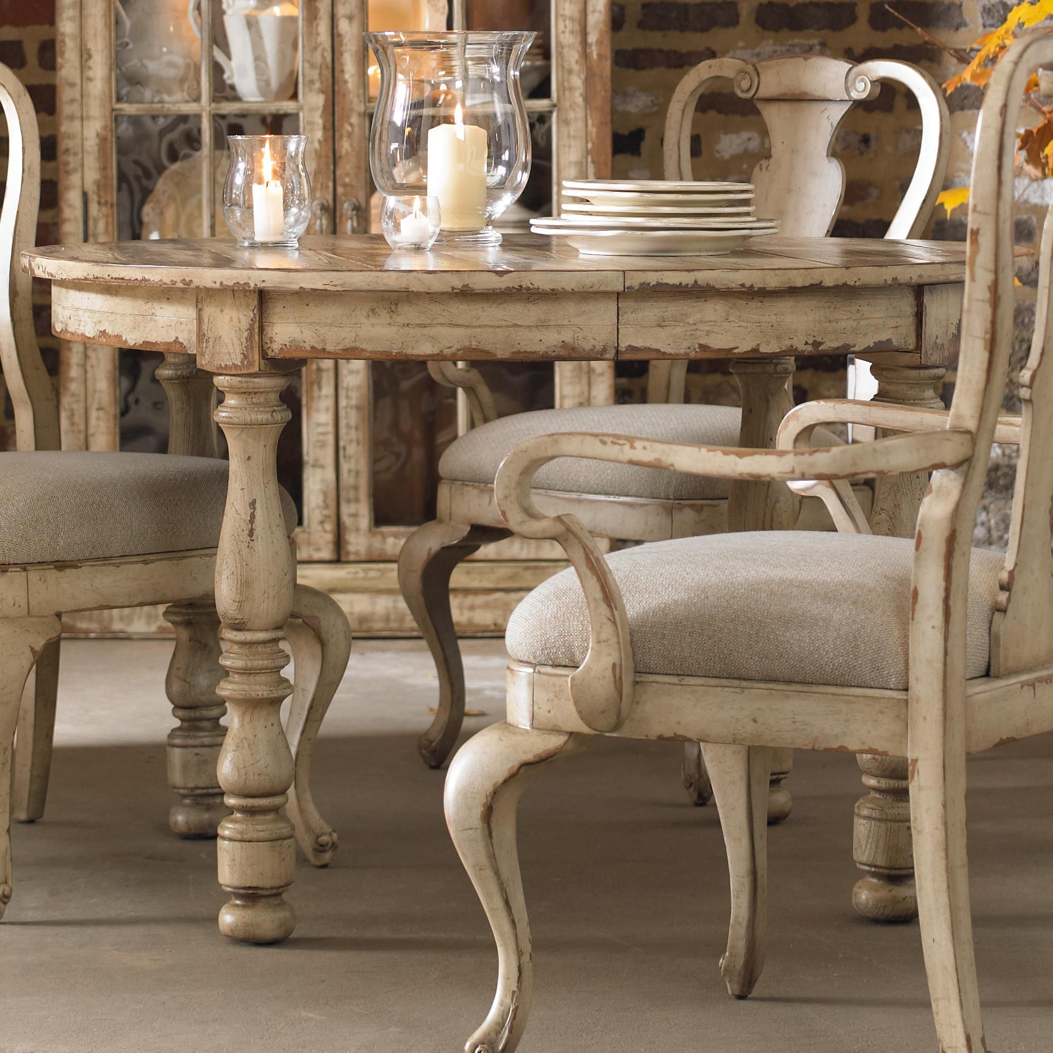 Wakefield Round Leg Dining Table with Expandable Leaf & Two-Tone ...