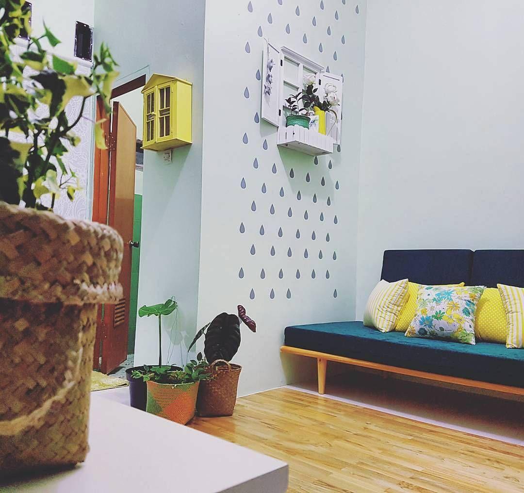 Desain Ruang Tamu Minimalis Dekorasi Dengan Jendela Hiasan