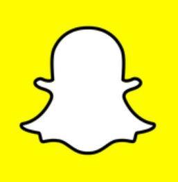 Snapchat esta creado para los mayores de 13 años es una app que en el momento que subes una foto dura unos cuantos segundos despues desaparece. Os la recomiendo.