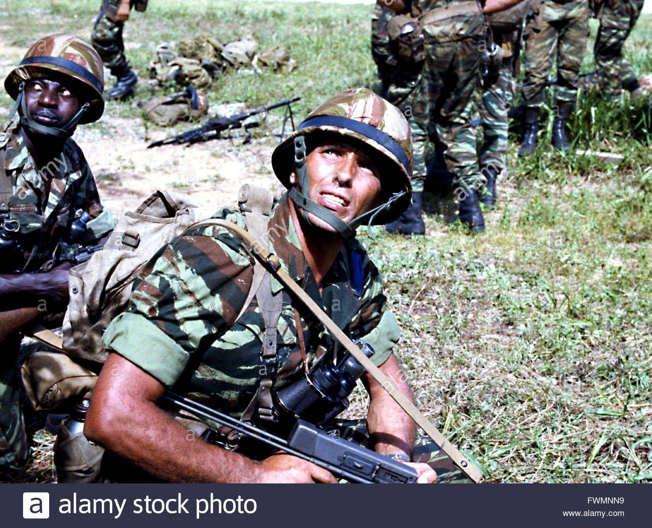 La Légion Saute Sur Kolwezi 1980 Réal : Raoul Coutard Guiliano Gemma Stock Photo, Royalty Free Image: 101874341 - Alamy