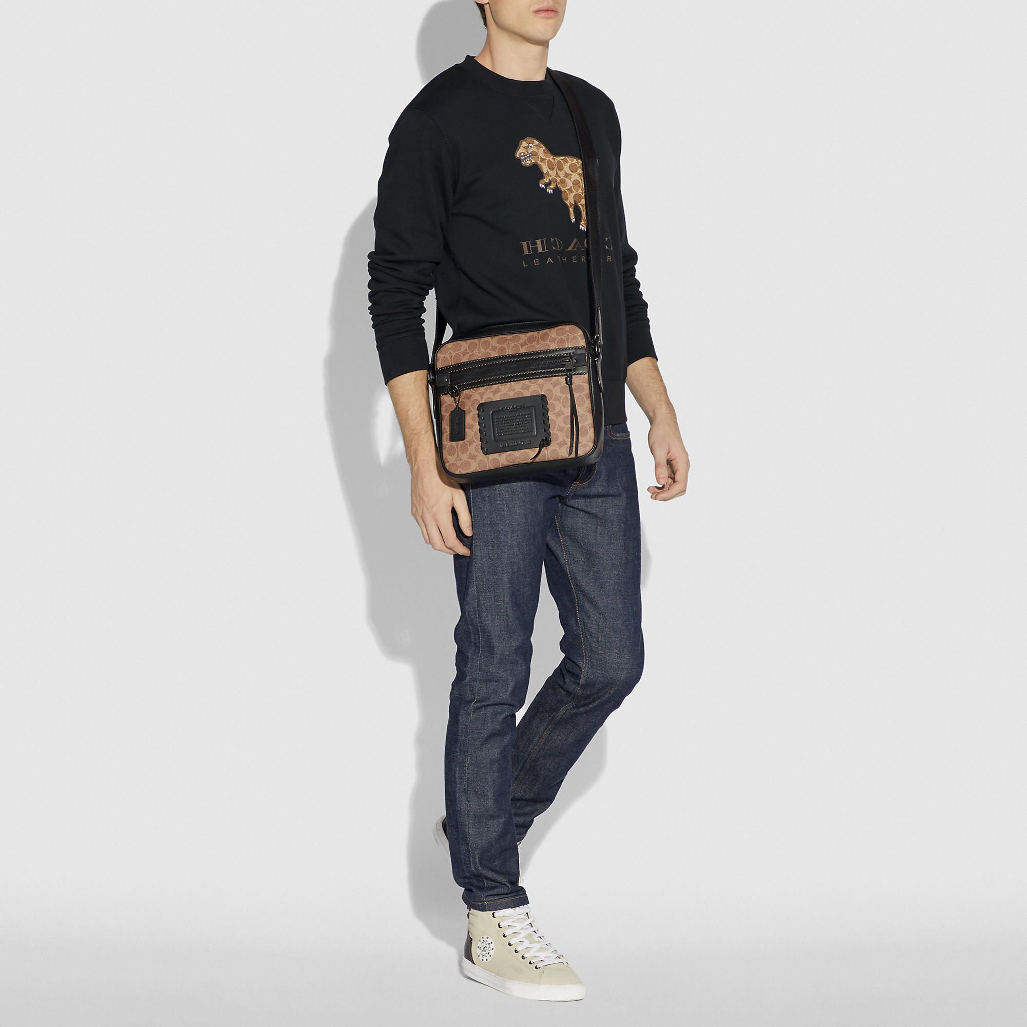 07bb57531 Dylan 27 in signature canvas | Products | Messenger bag men, Canvas ...