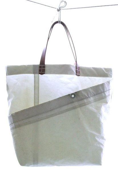 Surf Tote By Susan Hoff Made From An Old Sail Sac Sac Marin Et Sac Pochette