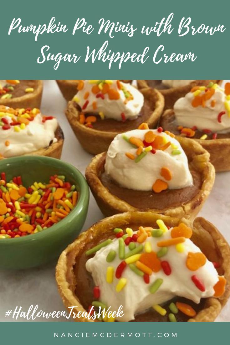 Pumpkin Pie Minis With Brown Sugar Whipped Cream In 2020 Thanksgiving Desserts Easy Thanksgiving Desserts Desert Recipes