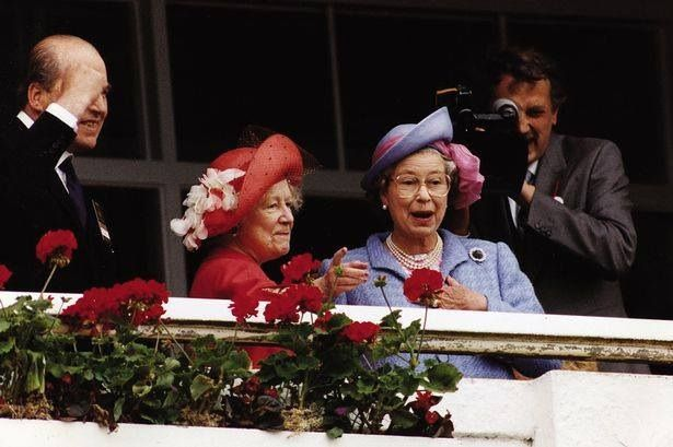 Queen and mum