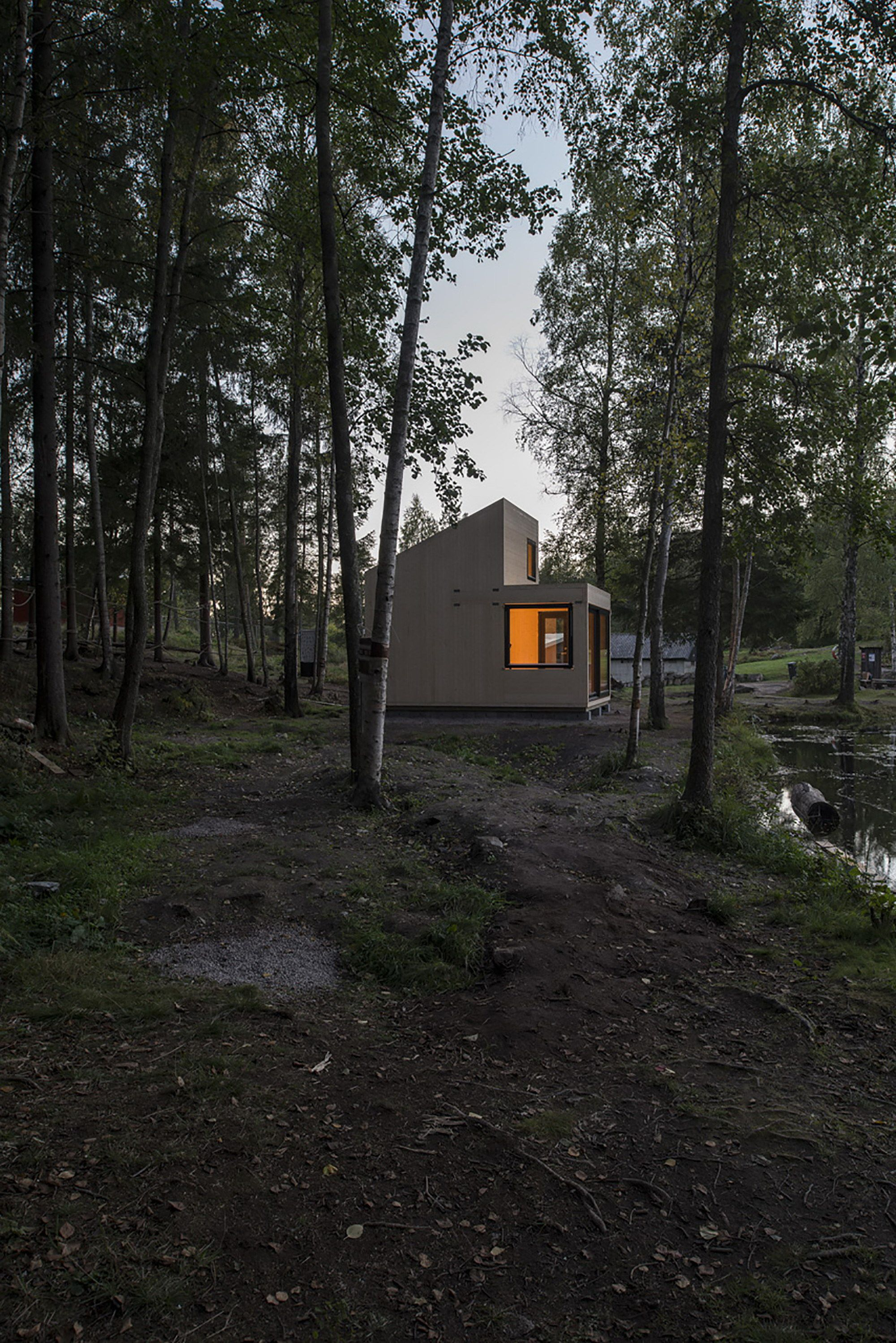 Woody15 A Tiny Cabin By Marianne Borge