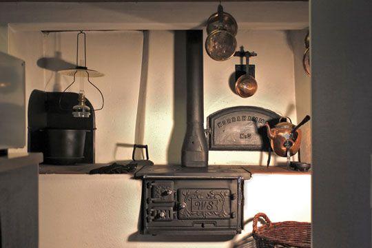 Westbo ornament cucina svedese in ghisa incassata in basamento di