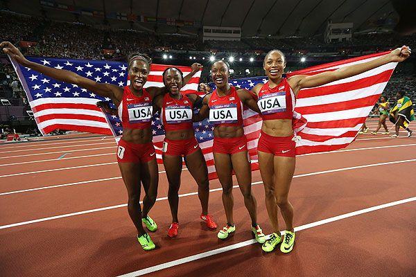 Americans smash women's 4x100 WR