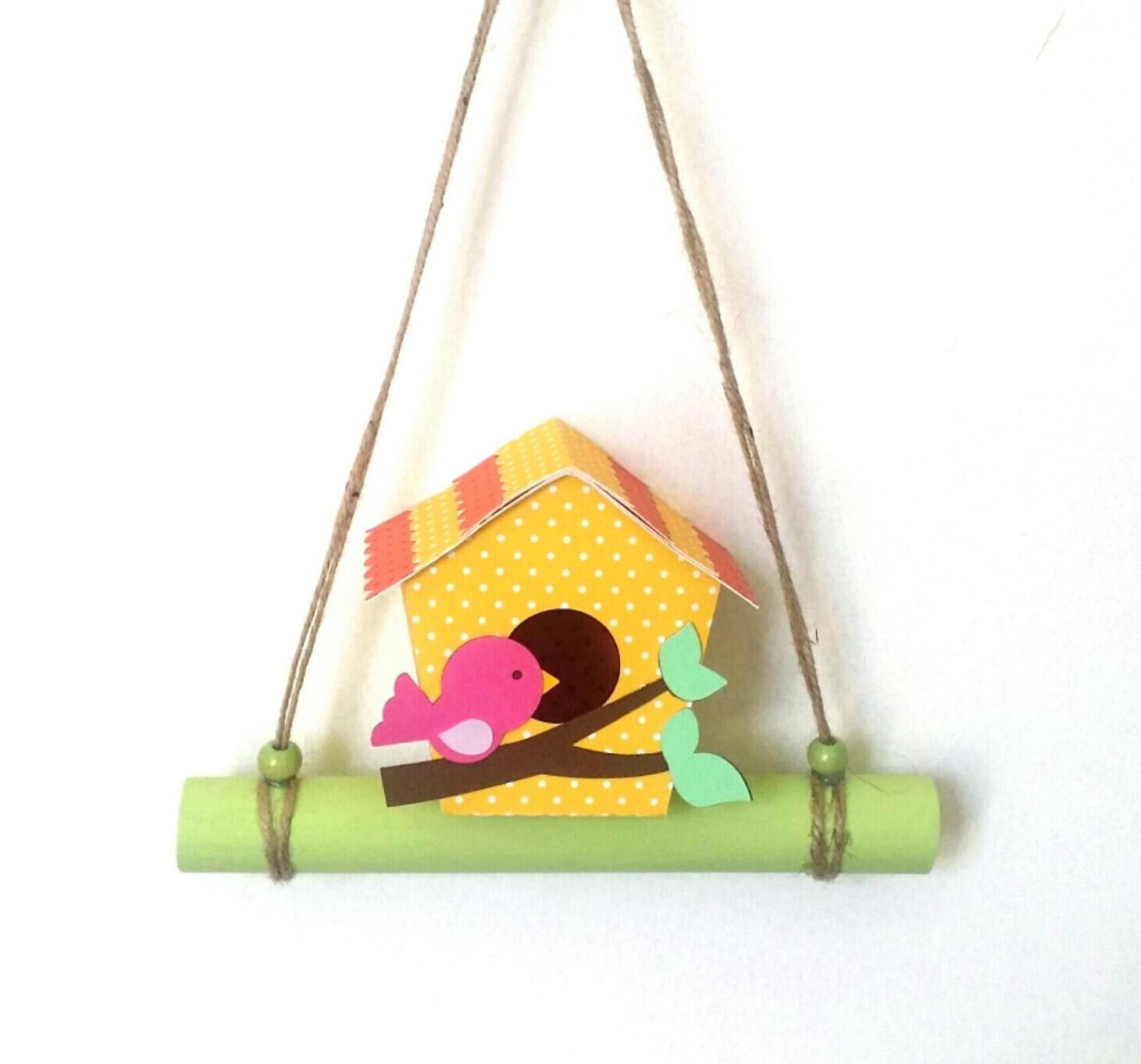 Mobile suspension décoration en papier cartonné et bambou nichoir et oiseau fait main, my little papeterie : Décoration pour enfants par my-little-papeterie